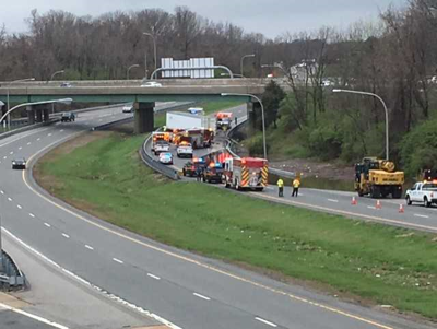 VIDEO | I-95 southbound closed at the PA state line due to truck