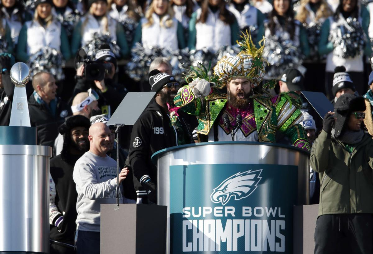 Jason Kelce speaks in front of the Art Museum during the 2018 Parade