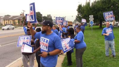Video Us Mail Not For Sale Letter Carriers Rally Against