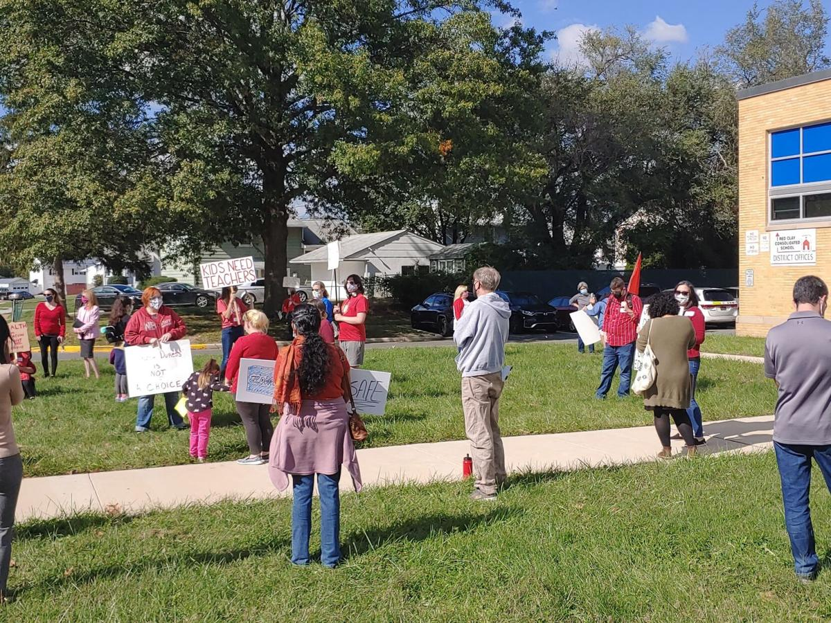 Parents protest for better online options in the Red Clay School District