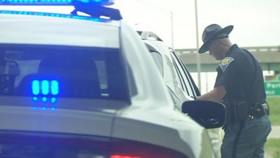 INDIANA STATE POLICE WRITING A TICKET 4-18-19.jpg