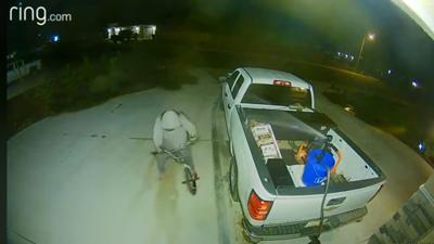 Burglar Sprayed By Powerful Sprinkler