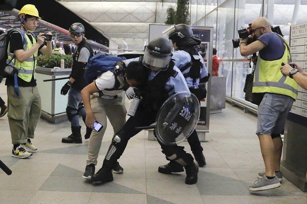HONG KONG AIRPORT - PROTETERS 8-13-19 1.jpeg