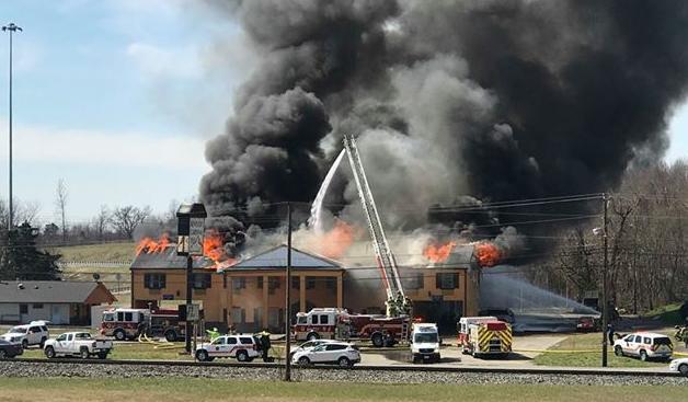 Elizabethtown motel fire 3-19-19 (photo courtesy of Elizabeth Lewis)