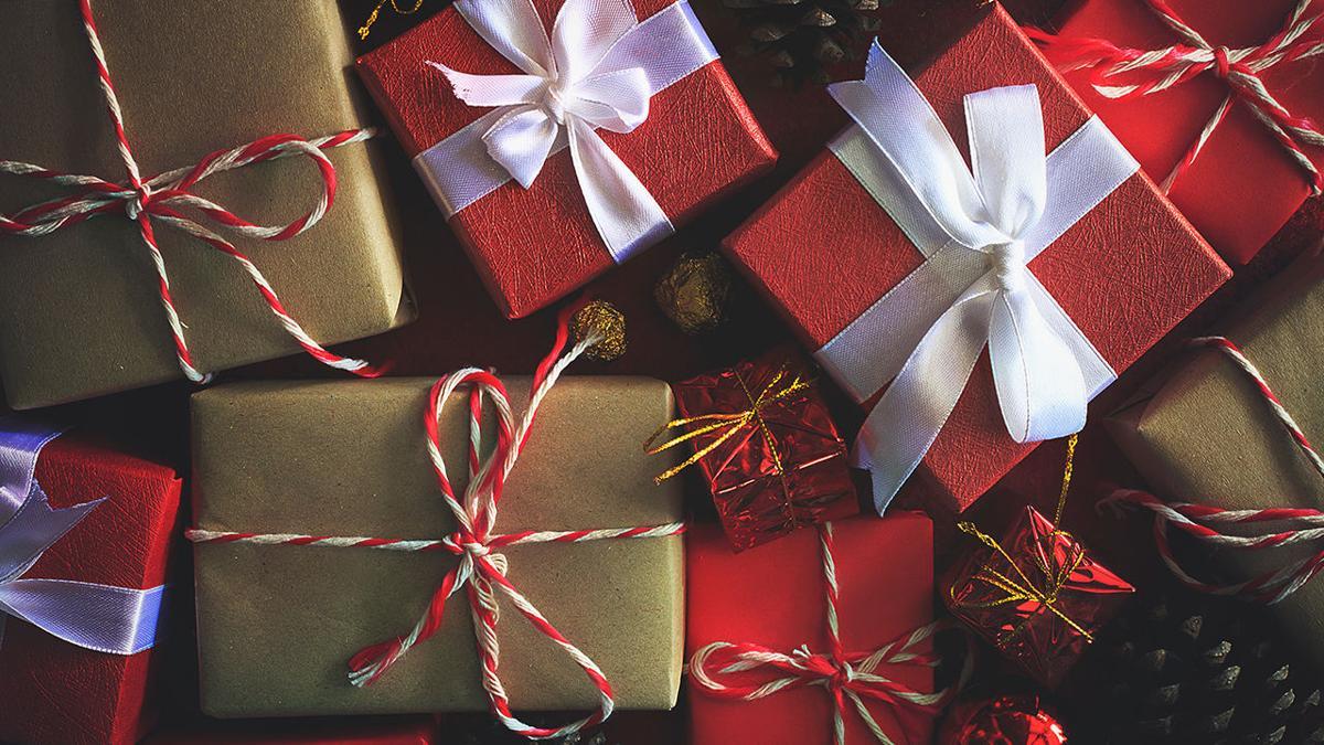 Wide_Christmas Gifts 2.jpg