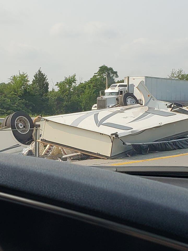 Interstate 71 crash 7-21-21.jpg
