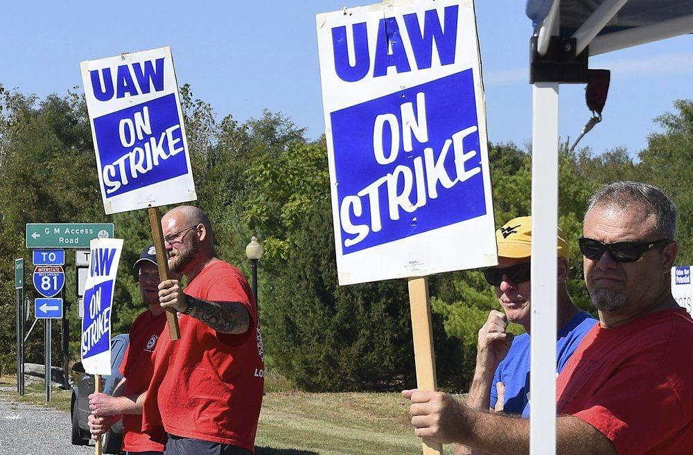 UAW Strikes 9-19-19 AP.jpeg