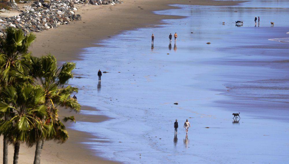 ZUMA BEACH-MALIBU CALIFORNIA-AP.jpeg