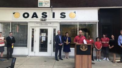 'Oasis' opens in West Louisville's 'food desert'