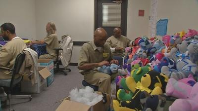 Inmates build teddy bears to give back to KY kids