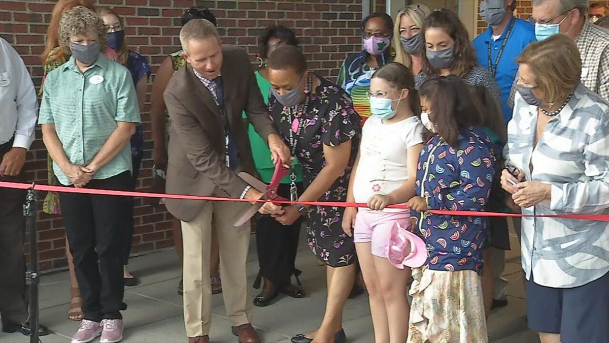 Franklin Square Elementary ribbon cutting.jpg