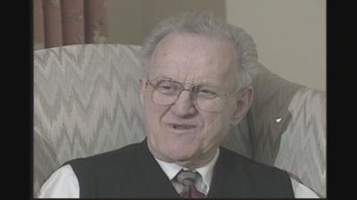 Longtime Louisville news anchor and journalist Ken Rowland dies at 91