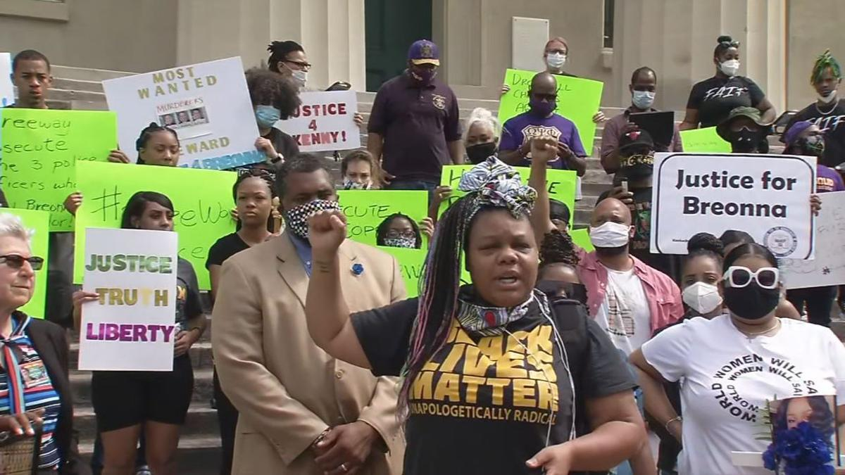 Protesters Demand Mayor Fischer Fire Lmpd Officers Who Shot Killed Breonna Taylor News Wdrb Com