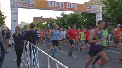 Thousands hit the streets of downtown Louisville for annual Kentucky Derby Festival Marathon and miniMarathon