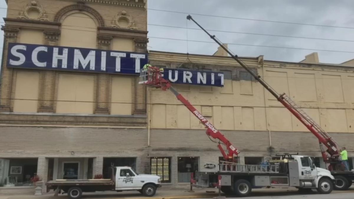 Iconic Schmitt Furniture Sign In New Albany Comes Down For Renovations Business Wdrb