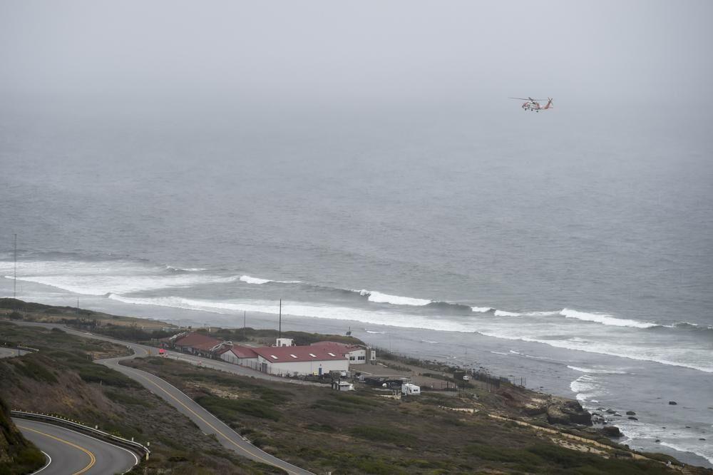2 killed, 23 hurt when boat capsizes off San Diego coast