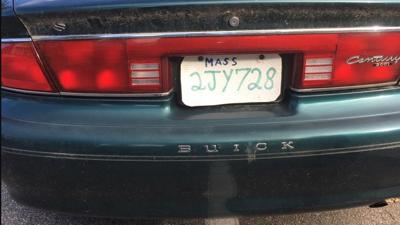 Massachusetts cops stop driver who made license plate from pizza box