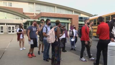 New Albany Floyd County Students return to school in-person