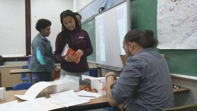 Louisville middle school students taught how to save lives with anti-overdose drug