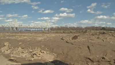 City hopes to restore dirt-covered Waterfront Park before Thunder Over Louisville