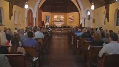 Jeffersonville community gathers to pray for 2 local judges shot in Indianapolis