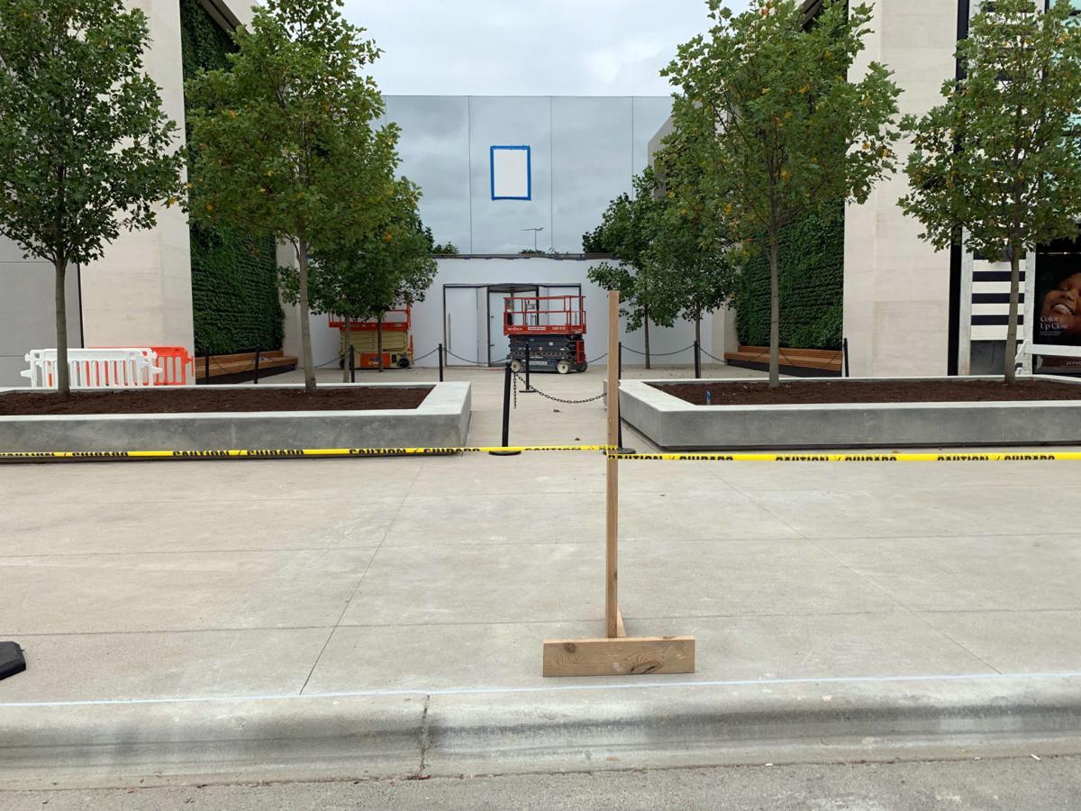 Future site of relocated Apple Store in Oxmoor Center