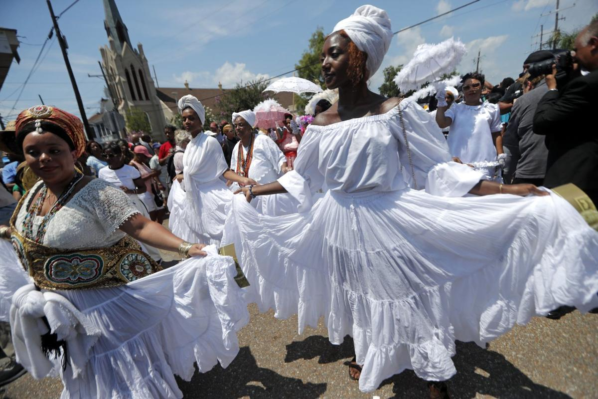FUNERAL - LEAH CHASE - NEW ORLEANS CREOLE QUEEN - AP - 6-10-19 1.jpeg