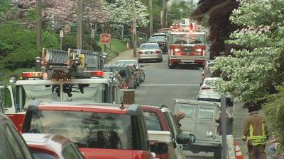 Louisville firefighters call for extra equipment to battle 2 house fires in Highlands