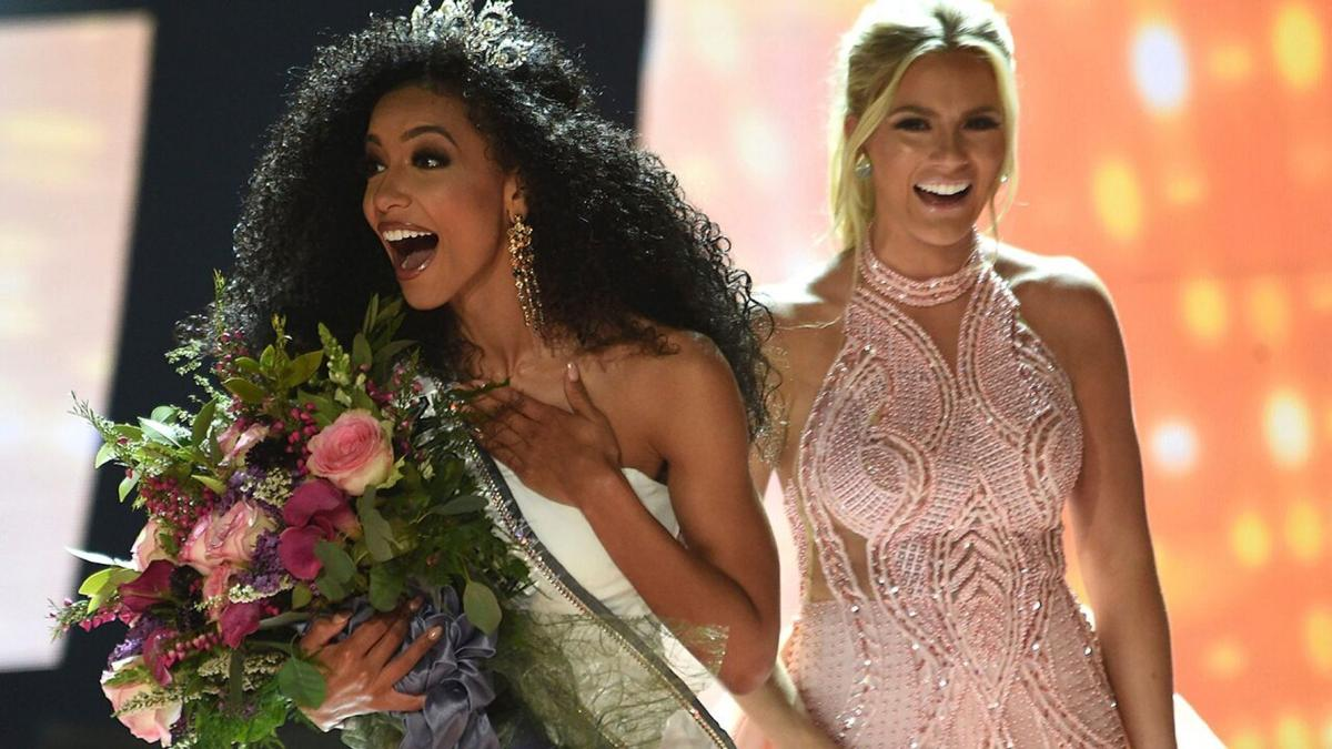 Miss North Carolina Cheslie Kryst crowned by Sarah Rose Summers at 2019 Miss USA