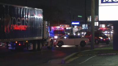 Pedestrian killed in crash along Dixie Highway in Shively