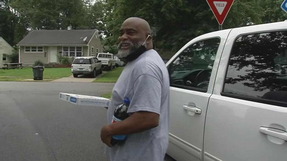 Elizabethtown man surprises neighborhoods with free pizzas every week during pandemic