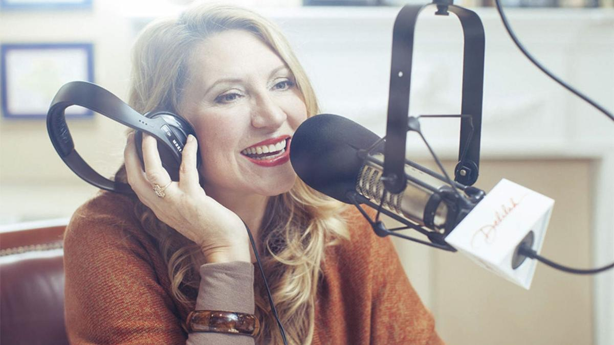 Delilah radio host