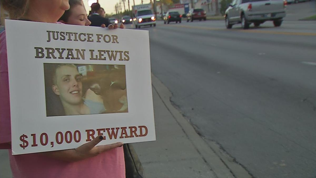 Louisville family seeking tips in 7-year-old unsolved murder case