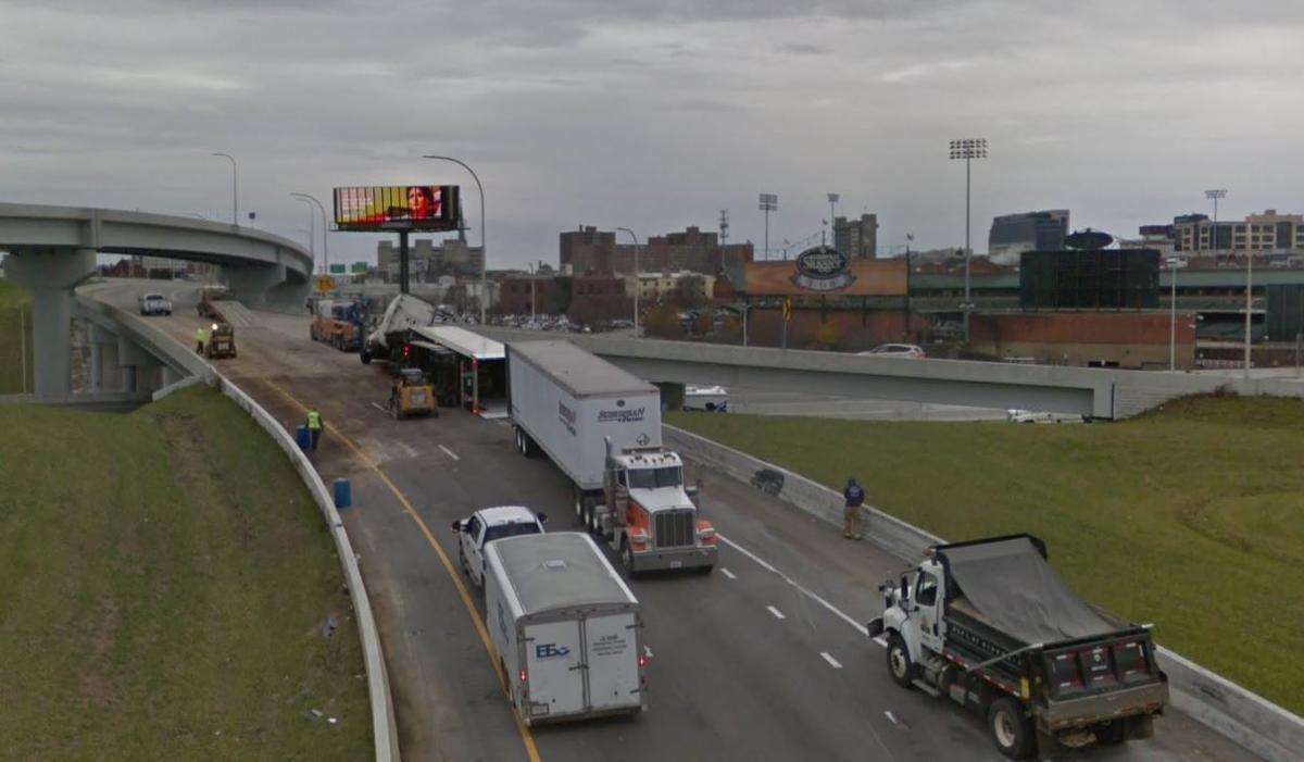 Crash on I-65 South ramp