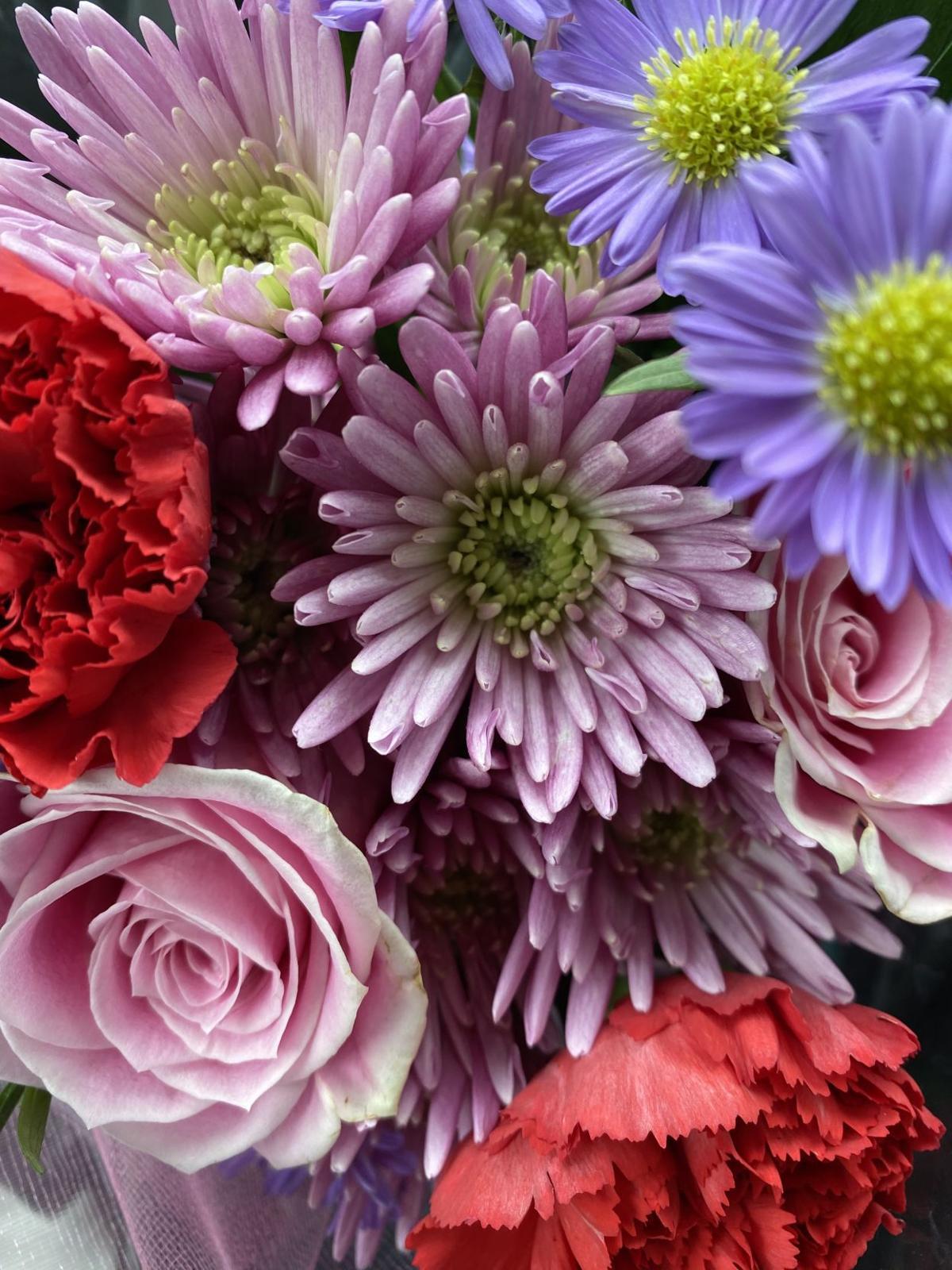 Bud's in Bloom floral arrangement