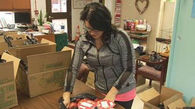 Despite no school, teachers deliver food to JCPS students in need over spring break