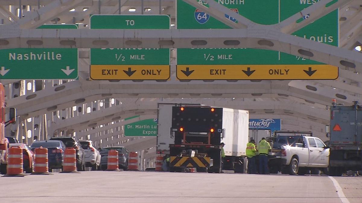 Kennedy Bridge bolts cause construction