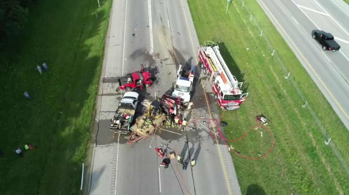 2 from Scottsburg killed in chain reaction crash on I-265E in