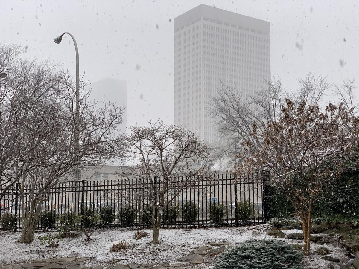 Snow in downtown Louisville 1-27-21.jpg