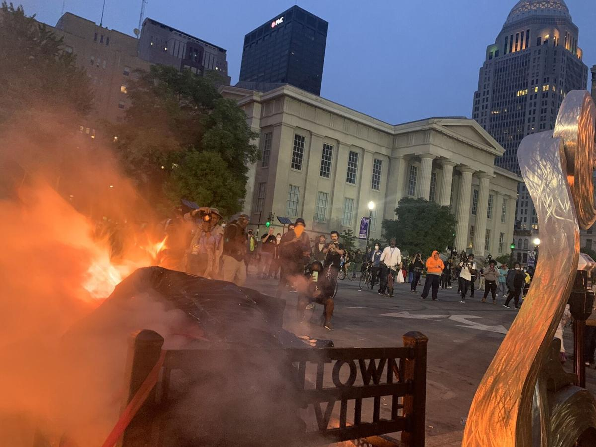 DOWNTOWN LOUISVILLE-PROTESTERS-JEFFERSON SQUARE PARK-Fires-9-23-20-6.jpg