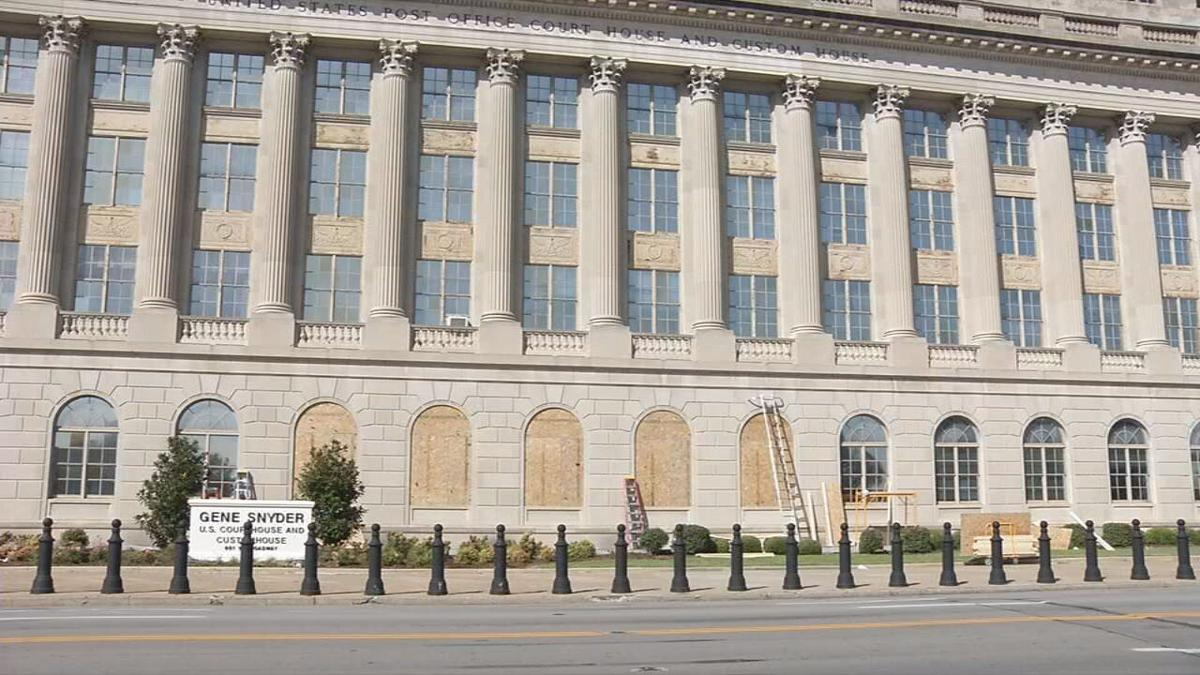 FEDERAL COURTHOUSE IN LOUISVILLE BOARDED UP  9-19-2020  (2).jpeg