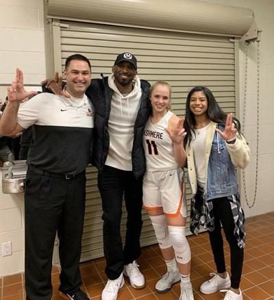 Kobe Bryant throws Ls up with Louisville women's basketball commit Hailey Van Lith