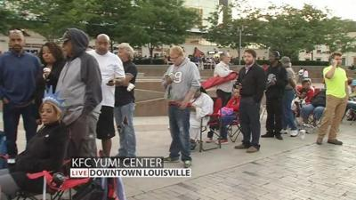 SLIDESHOW: Crowds line up early for tickets to Muhammad Ali's Friday memorial service