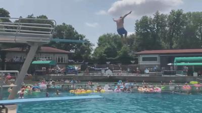 Lakeside splash contest
