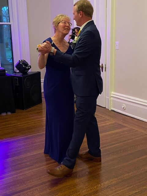 PARALYZED WOMAN REHABS TO DANCE WITH SON AT WEDDING 5-6-2021