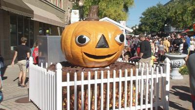 Celebrate fall at Harvest Homecoming Festival Booth Days