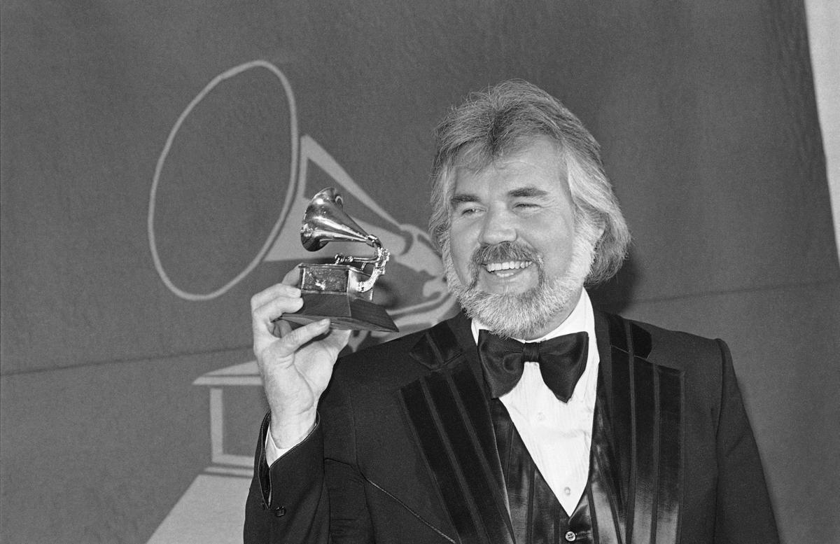 KENNY ROGERS - COURTESY KENNY ROGERS ON FACEBOOK 2.jpg