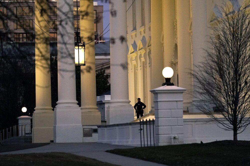 Secret Service guard outside White House