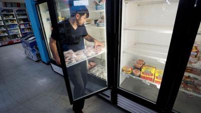 grocery worker fox 9-28-20.jpg