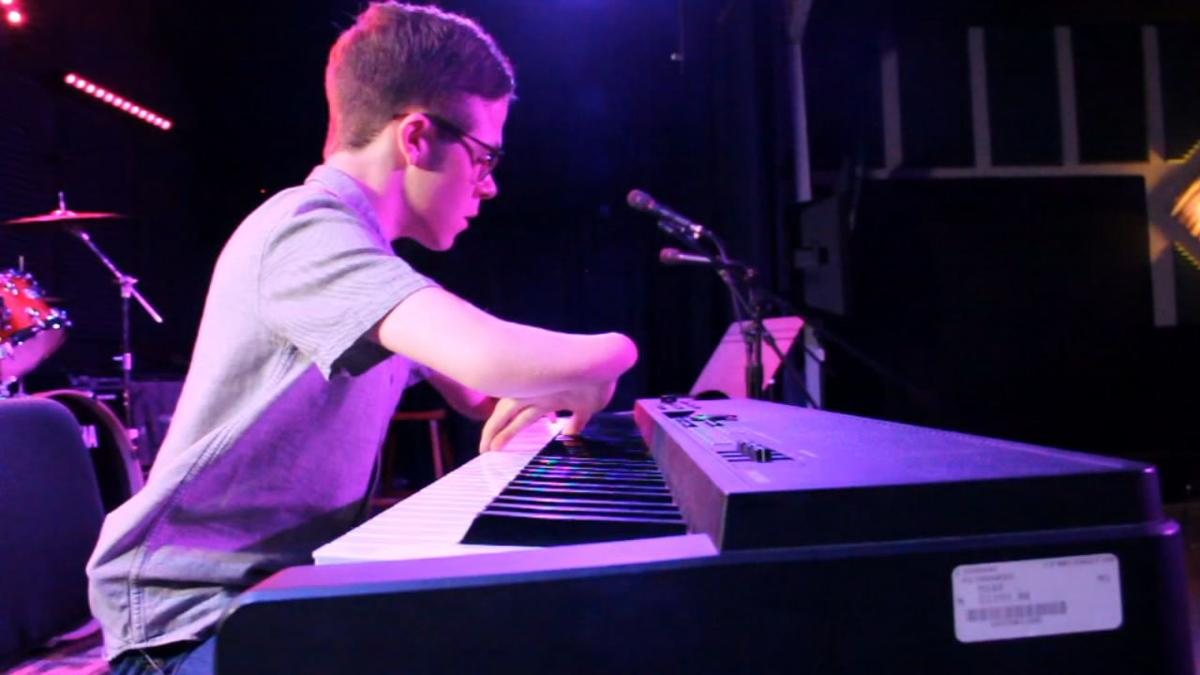 Nathan Piano Man MAIN PHOTO 2